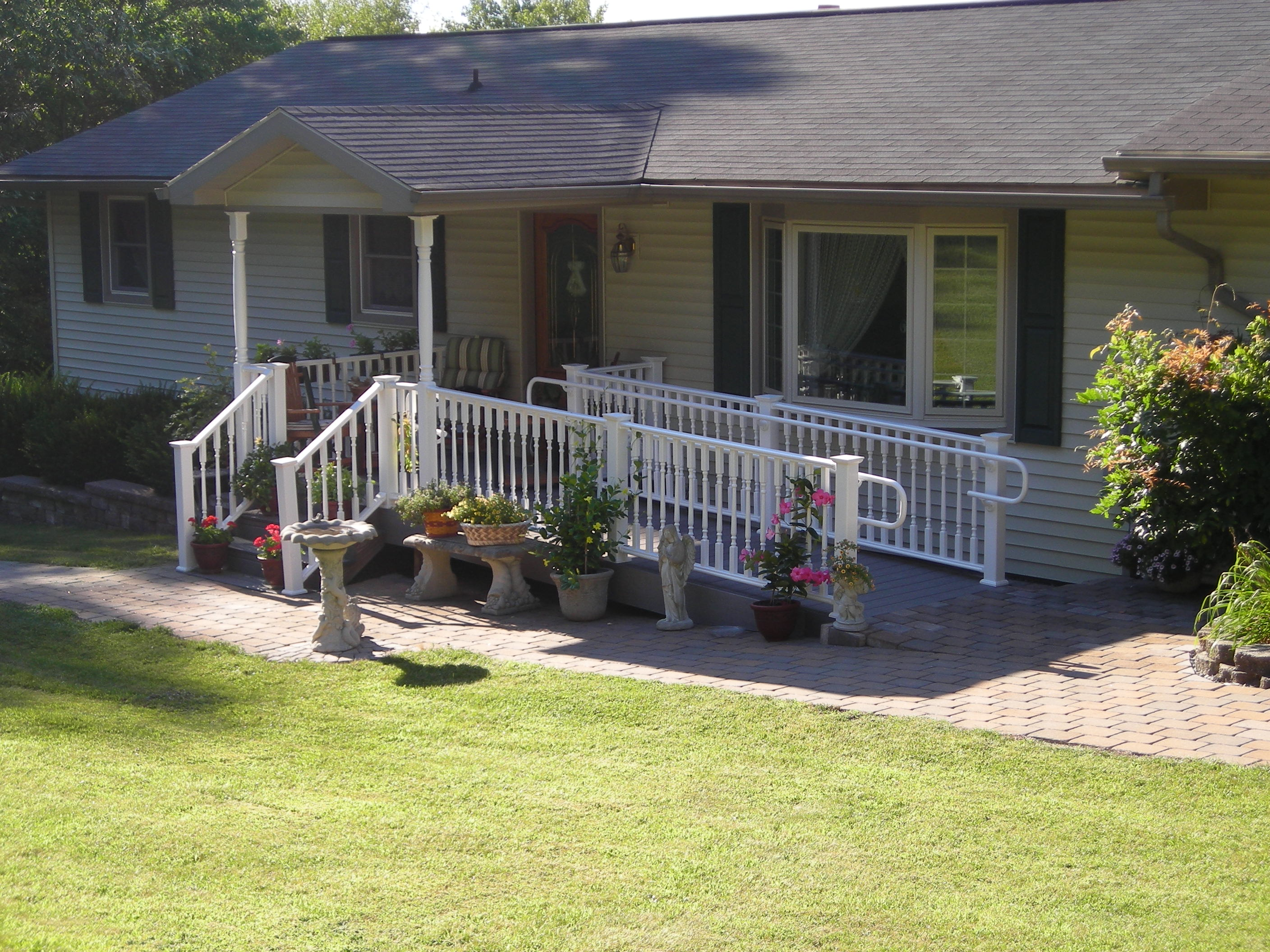 Porches project five handicap ramp pocono modular for Modular homes handicapped accessible